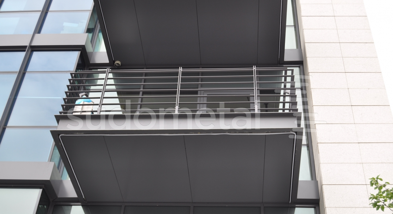 balustrada pentru balcon din metal. Black Bedroom Furniture Sets. Home Design Ideas